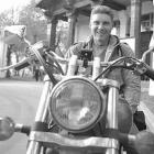 Памяти Андрея Стенина «Время... Время... Время... Уходят минуты, часы, уходят дни... Куда-то пропадают года...»